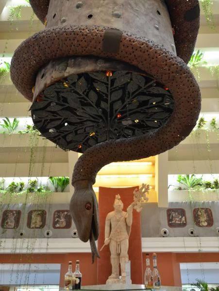 StatueInParaisoMaya.jpg