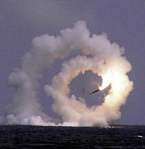 trident_missile_misfire_lg.jpg