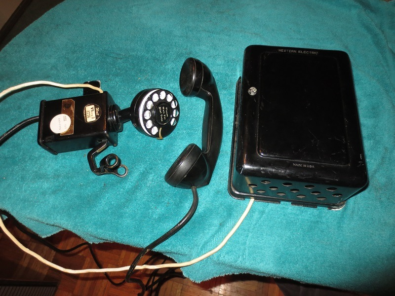 Western Electric phone (1928-37)  -1.jpg
